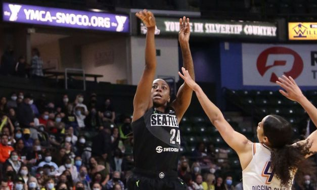 Storm's Loyd ties record with 22-point quarter