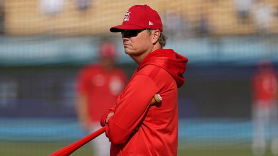 Shildt fired as Cards manager after wild-card run