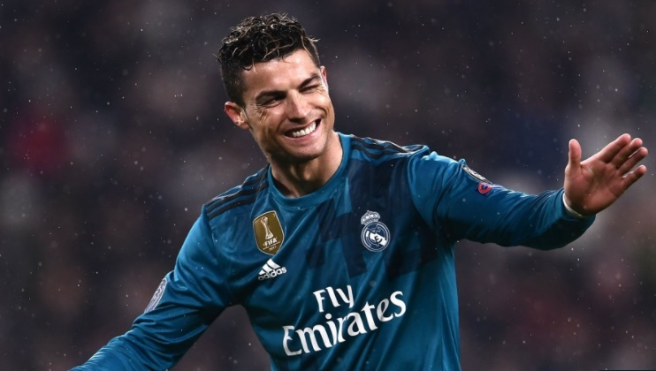 Christiano Ronaldo Can Bicycle Kick Like It's Nothing