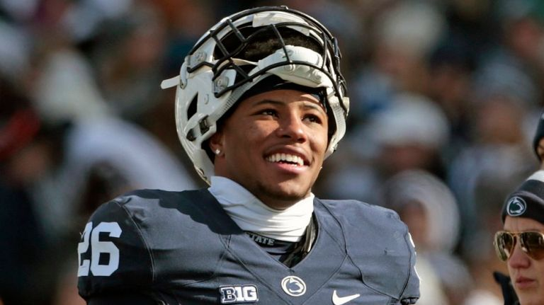 watch 3dc09 f3323 Saquon Barkley and His Girlfriend Welcome a Baby Girl ...