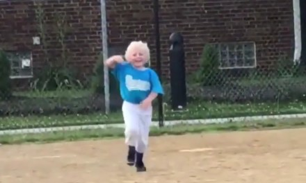 """4 Year Old Impersonated Edwin Encarnacion's """"Walking the Parrot"""" Home Run Celebration"""