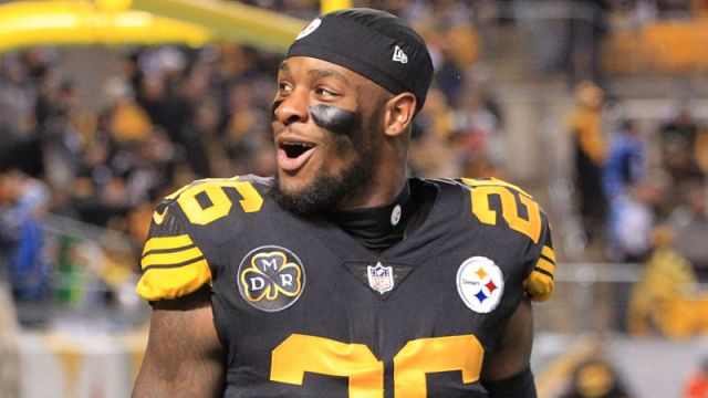 Le'Veon Bell Denies Reports that He Will Report to the Steelers on Labor Day