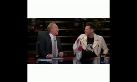 Jim Carrey Pays his Respects to Colin Kaepernick