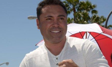 Oscar De La Hoya Wags Finger at 'haters' in Open Letter