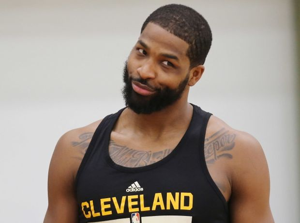 Tristan Thompson Spotted Leaving the Club with a Couple of Women