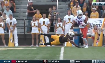 Boise State's John Hightower Made a One-Handed Catch with One Shoe On
