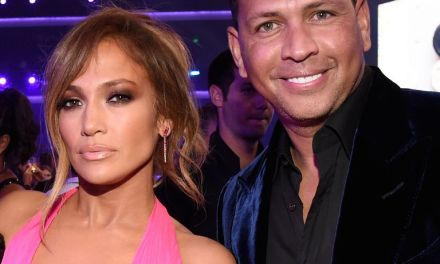 A-Rod Closely Watches J-Lo at the AMA's