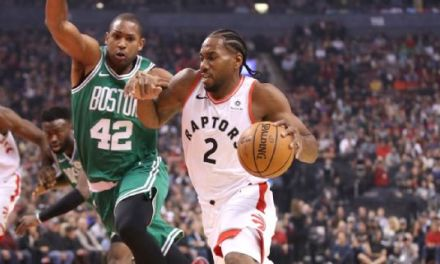 Kawhi Leonard Showed off His Extremely Large Hands