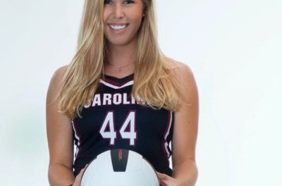 College Volleyball Player Hannah Edelman Shows Off Her Arm At Tailgate