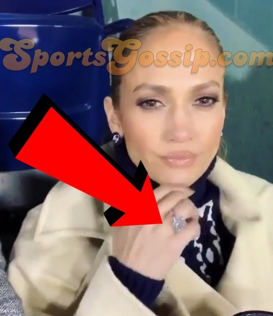 Jennifer Lopez Spotted Wearing What Looks Like an Engagement Ring