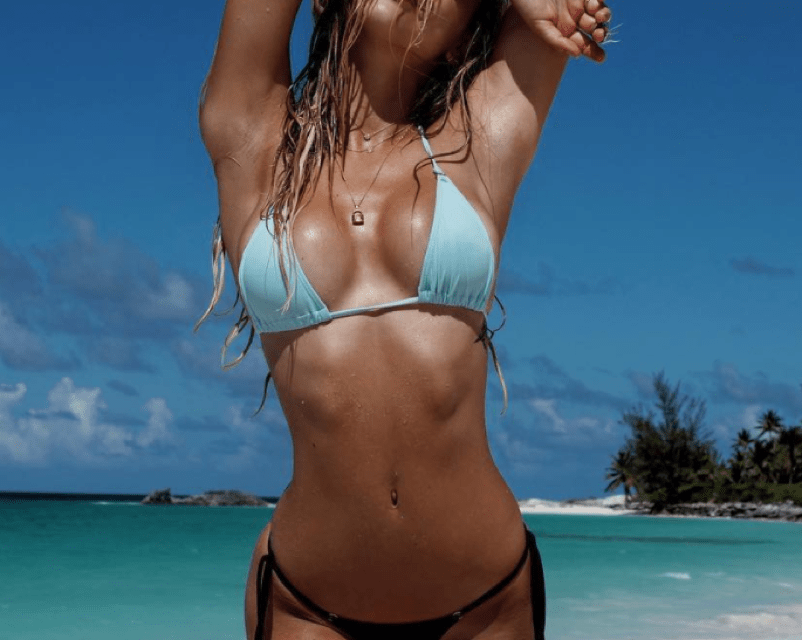 73f151bc34 Alexis Ren Goes Bare