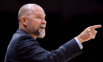 Nuggets' Michael Malone Tells Lakers Fans to 'Take That L on the Way Out'