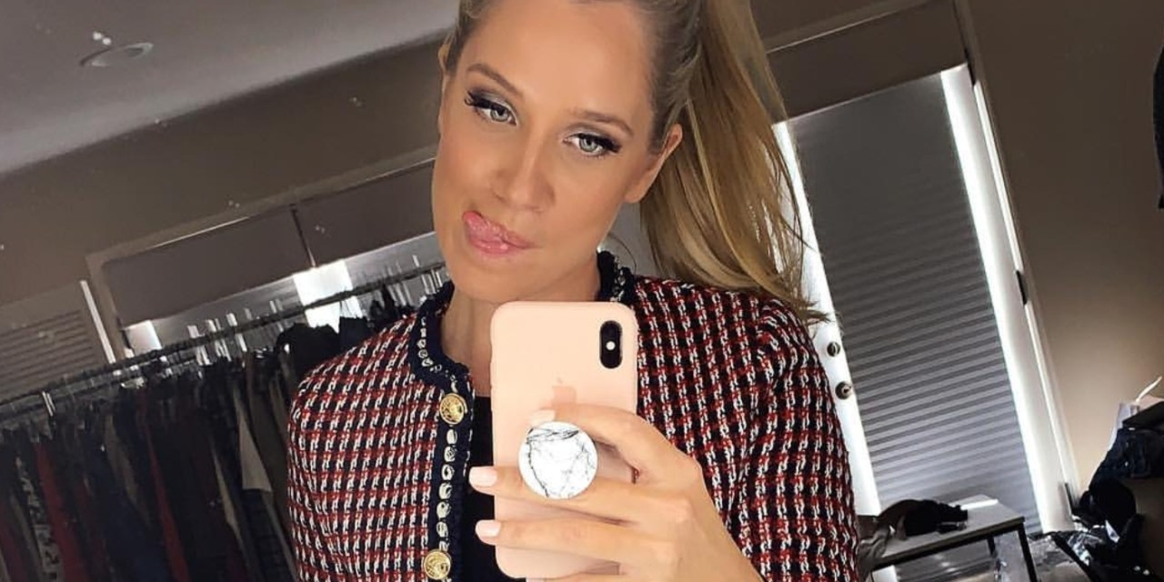 Kristine Leahy Has a Strong IG Game, Transgender Boxer Wins Debut & Steph Curry Moon Landing Hoax