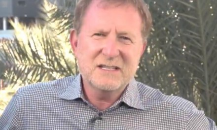 Phoenix Suns Owner Robert Sarver Says He's '100 Percent Committed' to Phoenix
