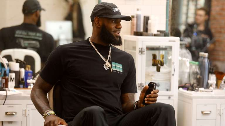 """LeBron Says NFL Team Owners Have a """"Slave Mentality"""""""