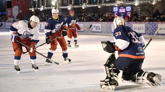 Vladimir Putin Scores Five Times in Hockey Game on Red Square