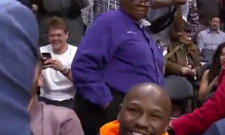 Manny Pacquiao and Floyd Mayweather Share Uncomfortable Handshake at Clippers Game