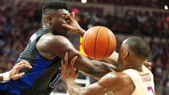Zion Williamson Exits Game With Apparent Eye Injury
