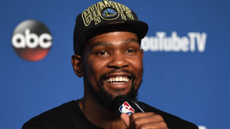 Kevin Durant and Taylor Rooks are Back Playing Footsy on Social Media