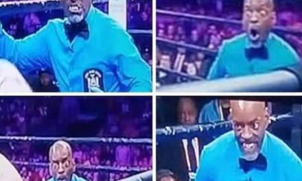 Boxing Ref Steve Willis' Face Says it All After Punishing Blow