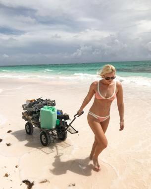 Lindsey-Vonn-beach_MTYxNjk1OTA5MjQyMDIxMTY2