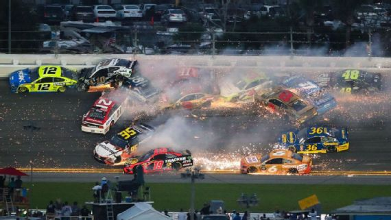 Paul Menard Starts Huge 21-car Wreck at Daytona