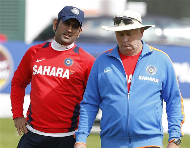 MS-Dhoni-with-the-coach