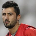 Junaid Khan suffers knee injury