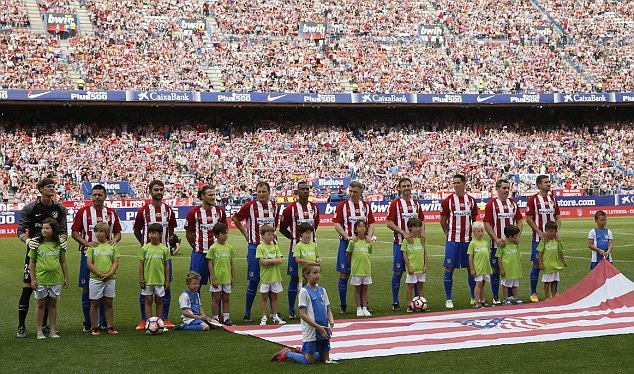 Atletico Madrid bid an emotional adieu to Vicente Calderon