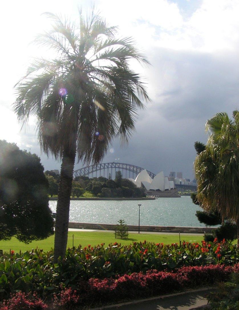 Harbour-Bridge,-Opera-House-Botanical-Gardens,-Sydney