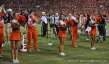 Ncaa Cheerleading - Gameday With Auburn