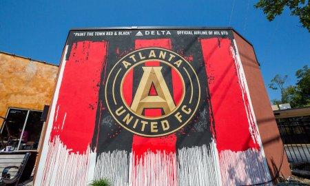 Delta_Atlanta_United_paint_the_town_36339801080