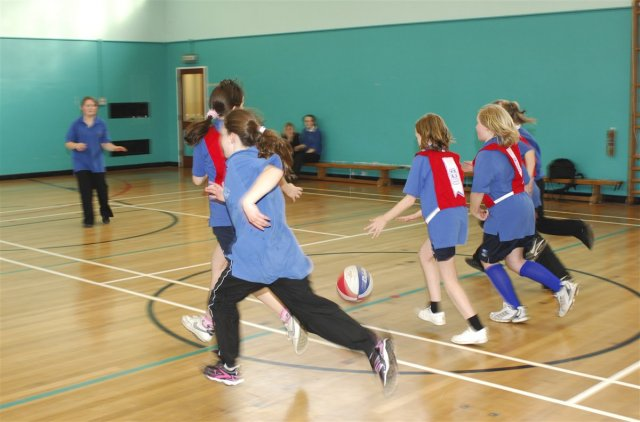 The new sports strategy and the outsourcing of Primary Physical Education