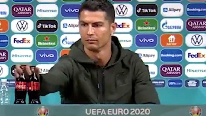 Coca-Cola shares fall after Ronaldo's act