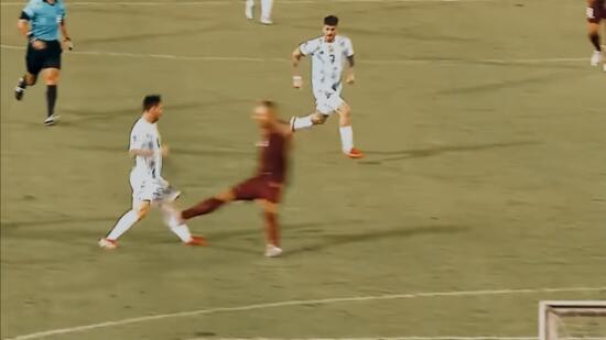 Messi'ye yapılan faul dünyayı ayağa kaldırdı 14