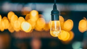 3 Reasons to Work with an Outdoor Lighting Contractor this Summer