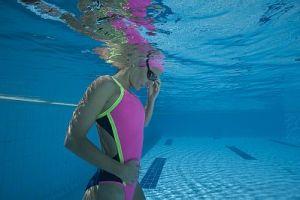 Aqua Sphere_in piscina look e tecnologia