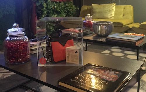 Debou al Luxus Hotel di Roma[1]