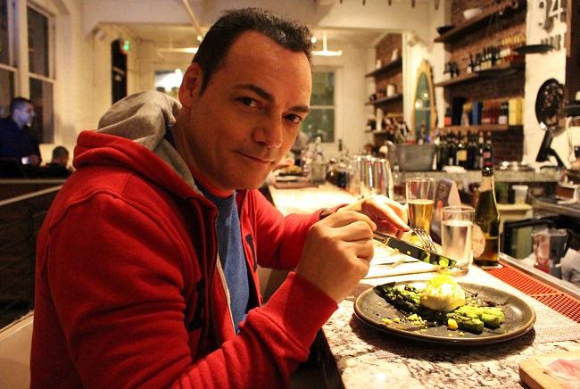 Asparagi alla griglia con burrata del ristorante 54 Mint. Foto Grigore Scutari