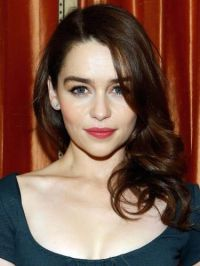 8 Emilia Clarke Brown Hair Color Ideas (We love Mother Of ...