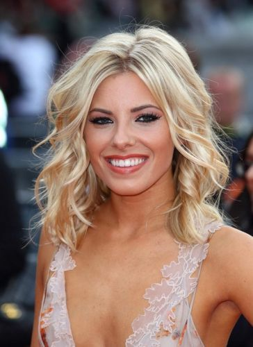 8 Molly King Hairstyles Blonde Hair Fun