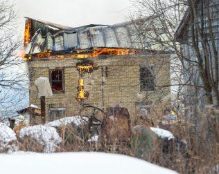 12-29-17 fire web-4792