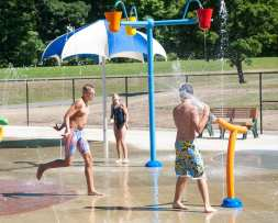 splash pad web-0686