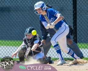 beth-shaker softball-2213