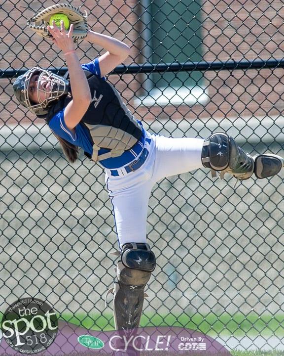 beth-shaker softball-2306