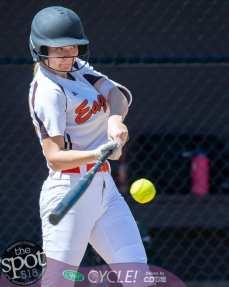 beth-shaker softball-2526