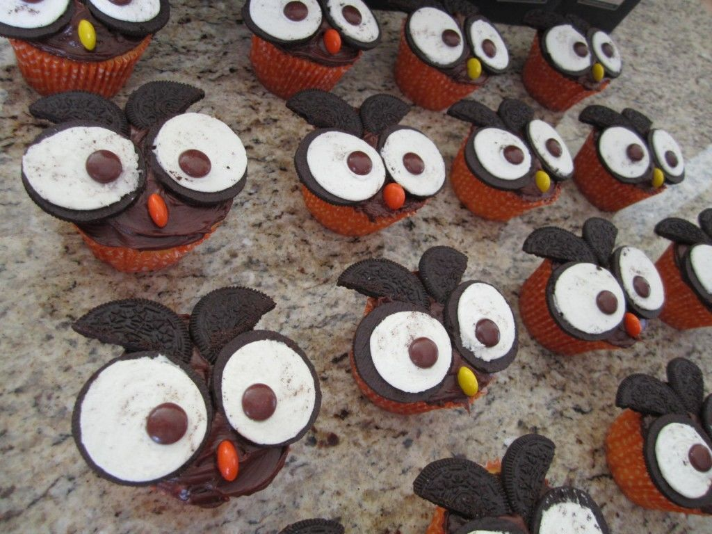 owl-cupcakes-group.jpg