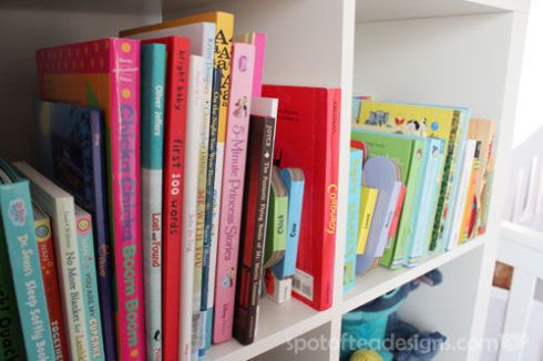 Pink, Gray and White Modern Baby Girl Nursery: Books | spotofteadesigns.com