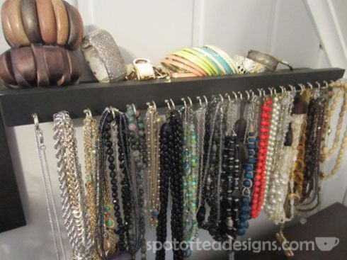 DIY Necklace Holder | spotofteadesigns.com