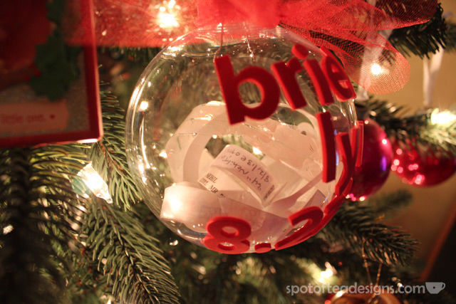 DIY Baby Keepsake Ornament: baby and parents hospital bracelets | spotofteadesigns.com